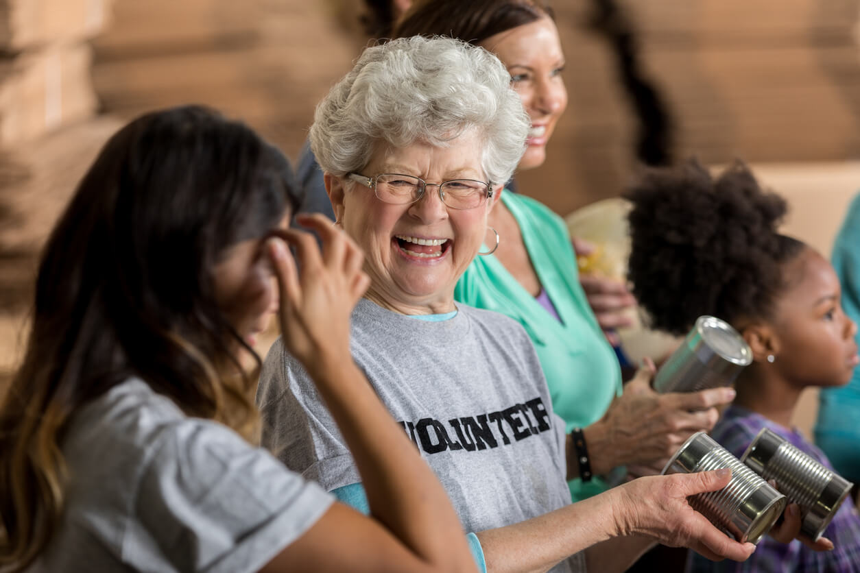 AGE WELL CT - VOLUNTEERING YOUR TIME DOES MORE THAN YOU THINK